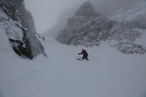 Michelle Blaydon in Dent Jaune Couloir 2