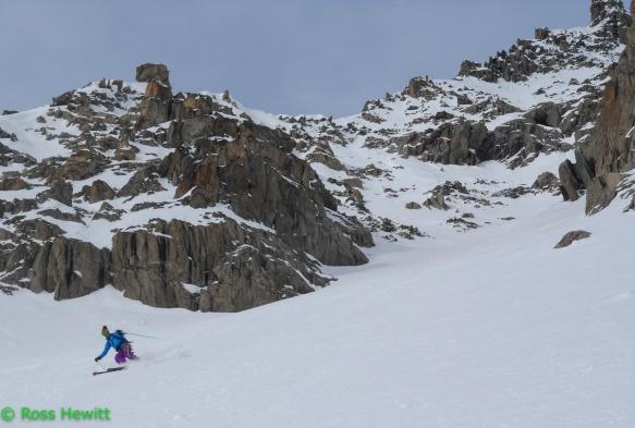 Michelle Blaydon skiing Croullante Couloir-20