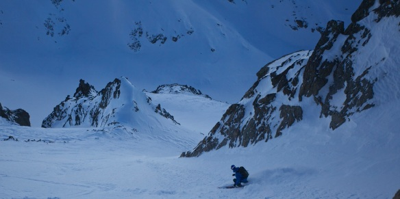Andy Houseman skiing on the Mort couloir 2